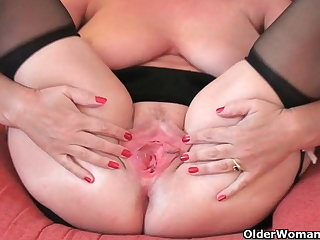 British granny Joy spreads their way fuckable pussy