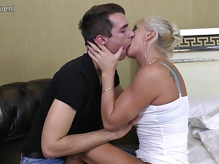 Real adult mom fucked by her toy boy