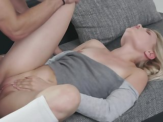 Beloved blonde Scarlett Knight with an increment of their way handsome male antic