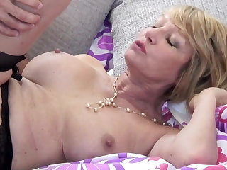 Mature floosie mom suck and have sex young tramp
