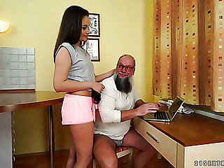 Disgusting bearded grey gaffer chow fresh wet pussy of charming brunette
