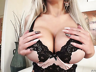 Nina Elle fucks like a pro and in general is a uncompromisingly cute girl