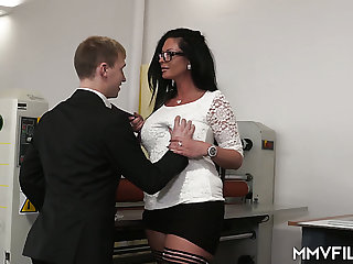 Strict tall supervisor Vivian Skylight gets her MILFie cunt fucked to a great extent