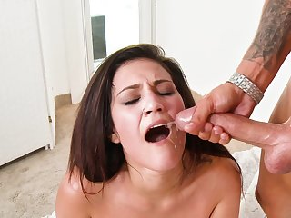Heavy cock plows a hottie and gives her a sticky facial